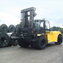 Hyster: 9 new heavy forklift trucks!
