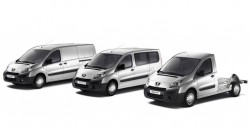 Noul model Peugeot Expert cu cabina extinsa