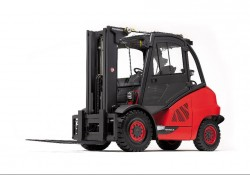 Fenwick H40-H50 thermal front-loading forklifts, winner of the new « iF product Design Award 2012 »!