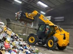JCB commercialiseert een compacte verreiker voor de recyclingsector : de JCB 527-58WM