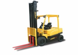 A new series of Hyster electric forklifts between 4 and 5 tons : the J4.0-5OXN