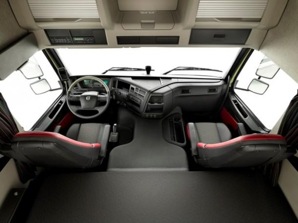 Bauma 2013 volvo trucks pr sentiert das neue for Camiones ford interior