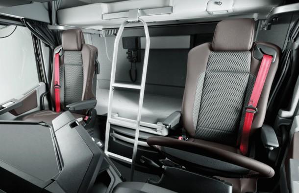 Le renault trucks t rempla ant des magnum et premium pour for Renault gamme t interieur