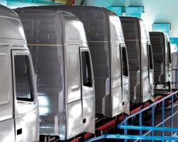 Immatricolazioni di mezzi pesanti in Europa : l'abbassamento  continua al  1° semestre 2013