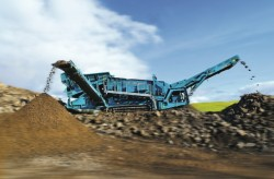 Powerscreen delivers 100th Warrior 2400 mobile screen in Oman