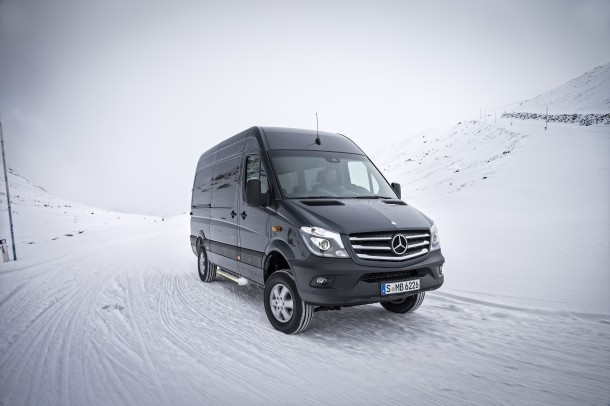 nouveau sprinter 4x4 mercedes le fourgon transmission. Black Bedroom Furniture Sets. Home Design Ideas