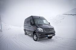 Nieuwe Sprinter 4X4 van Mercedes, de bestelbus met integrale transmissie voor alle professionals