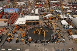 Звёзды выставки  ConExpo 2014 - автопогрузчик и ножничный подъёмник от Haulotte