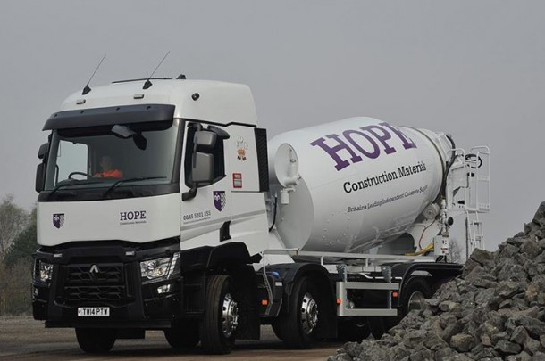 P Amp T Woodruff Haulage Completes Its Fleet With Renault