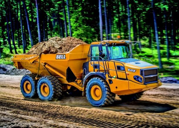 Bell, Caterpillar ve Terex Trucks yeni damperli ve kaya kamyonlarını piyasaya sundu.