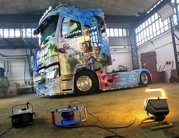 concours du plus beau camion d cor par renault trucks constructeurs poids lourds eci. Black Bedroom Furniture Sets. Home Design Ideas