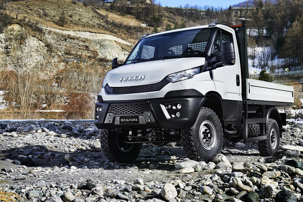 Iveco lance la version 4x4 de son nouveau daily for Garage mercedes utilitaire