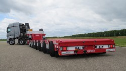 Manoovr, the new Nooteboom lowered semi-trailer