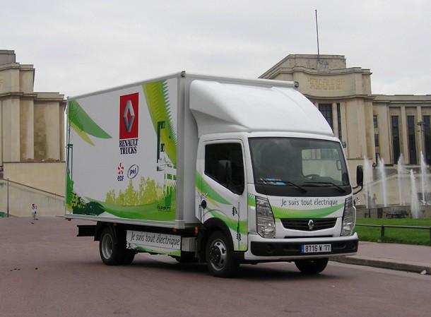 Les camions et bus électriques et hybrides : l'avenir des applications urbaines ?