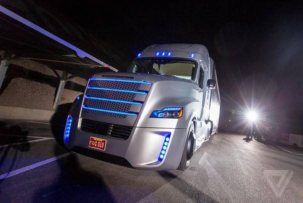 Daimler хочет протестировать свои грузовики без водителя в Германии