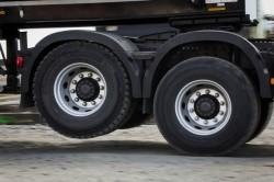 Volvo Trucks présente sa nouvelle fonction de relevage de l'essieu moteur tandem