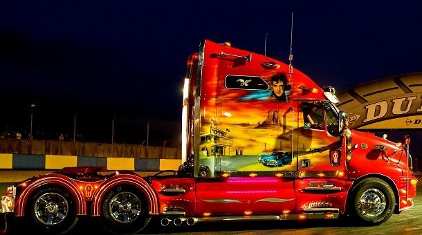 24h camions du mans finales des coupes de france et championnat d europe camions sport. Black Bedroom Furniture Sets. Home Design Ideas