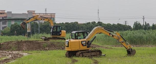 Cat presenta su nueva mini-excavadora 307E2