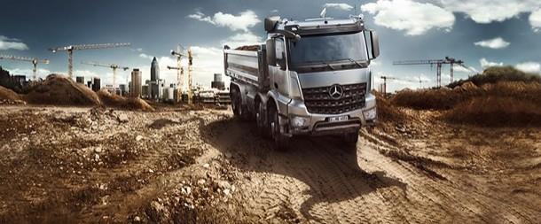 Fokus auf die Turbo-Retarder-Kupplung der Mercedes Kipper