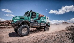 Het Petronas De Rooy Iveco Team wint de Dakar 2016