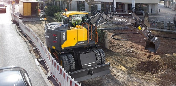 Volvo CE introduces their new wheeled excavator EWR 150 E