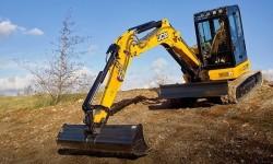 JCB präsentiert seine neuen Midibagger von 4 bis 6 Tonnen.