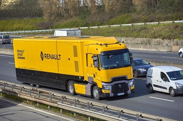 Renault Trucks T für das Formel Eins-Team