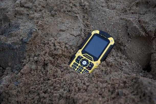 Stanley Black&Decker se lance dans la téléphonie de chantier avec les smartphones S231 et S241