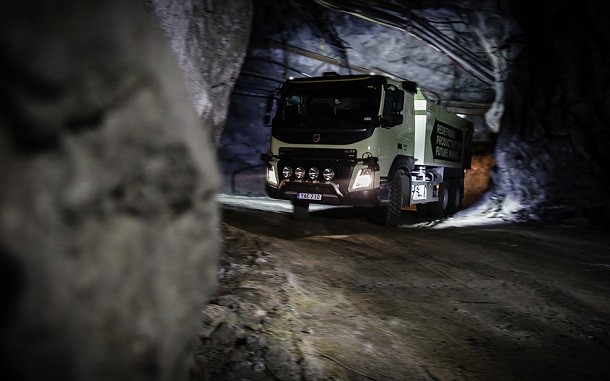 Volvo Trucks : the FMX autonomous trucks sent to the mines