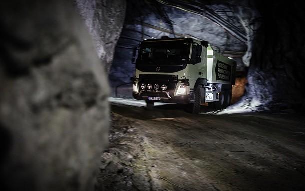 Volvo Trucks stuurt autonome FMX vrachtwagens naar de mijn