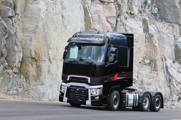 Zbliżenie na Renault Trucks T High Edition