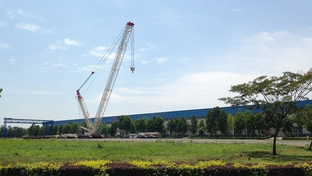 Terex introduces their new crawler crane, the LC 300