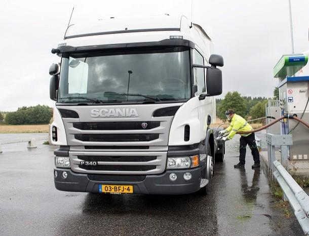 Scania maakt zijn vrachtwagens die op aardgas rijden compatibel met Opticruise