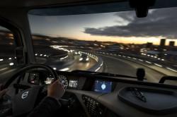 Het nieuwe ingebouwde systeem voor services en infotainment van Volvo Trucks