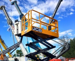 The first JCB self-propelled aerial platforms in Beaune (France)