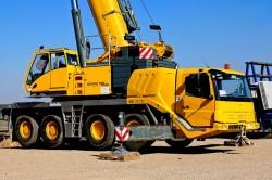 Les grues mobiles : des engins incontournables pour la construction