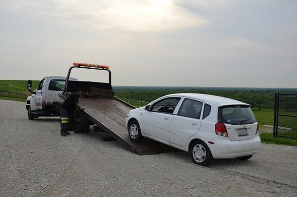 Soccorso stradale con carro attrezzi, un lavoro che richiede rigore e compostezza