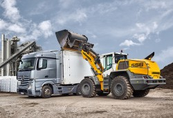 Liebherr to attend the trade fair for water, waste and raw materials management