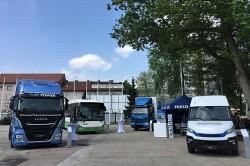 Iveco presenteert zijn assortiment lng voertuigen aan de Europese ministers