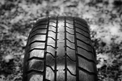 Que veulent dire les chiffres et les lettres sur vos pneus?