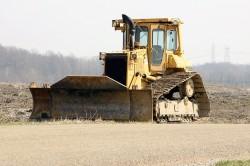 Bulldozer: una macchina da cantiere potente e massiccia