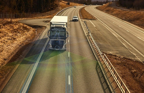 Volvo Trucks and safety at the wheel: new assistance systems