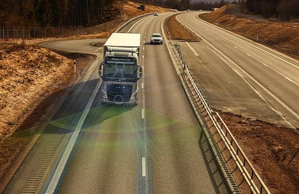 Volvo Trucks y la seguridad al volante : nuevos sistemas de asistencia