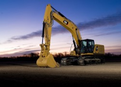 CAT : a new generation of 36-tonne excavators