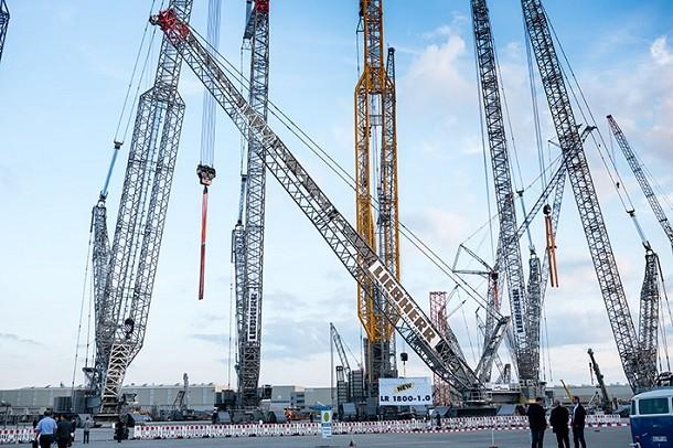 Une grue sur chenilles de 800 tonnes: Liebherr mise sur les capacités de charge