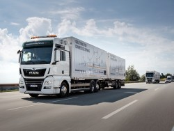 Man tests platooning for logistics