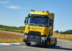 The T High Renault Sport Racing : a limited edition of 99 models