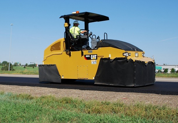 CW16, a new roller by Cat