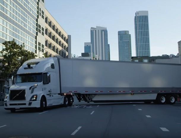 Uber renuncia a los camiones autónomos