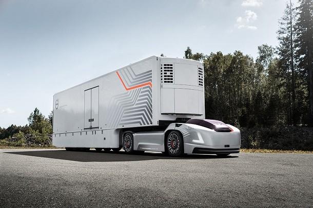 Des tracteurs routiers futuristes chez Volvo Trucks